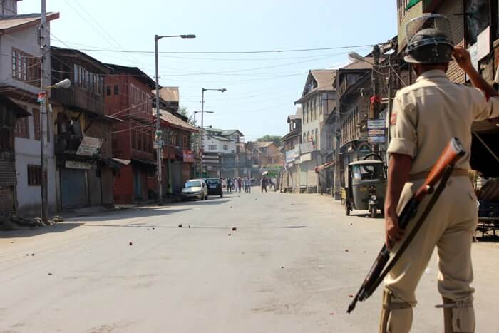 Kashmir: Youth Clash With Security Forces 1