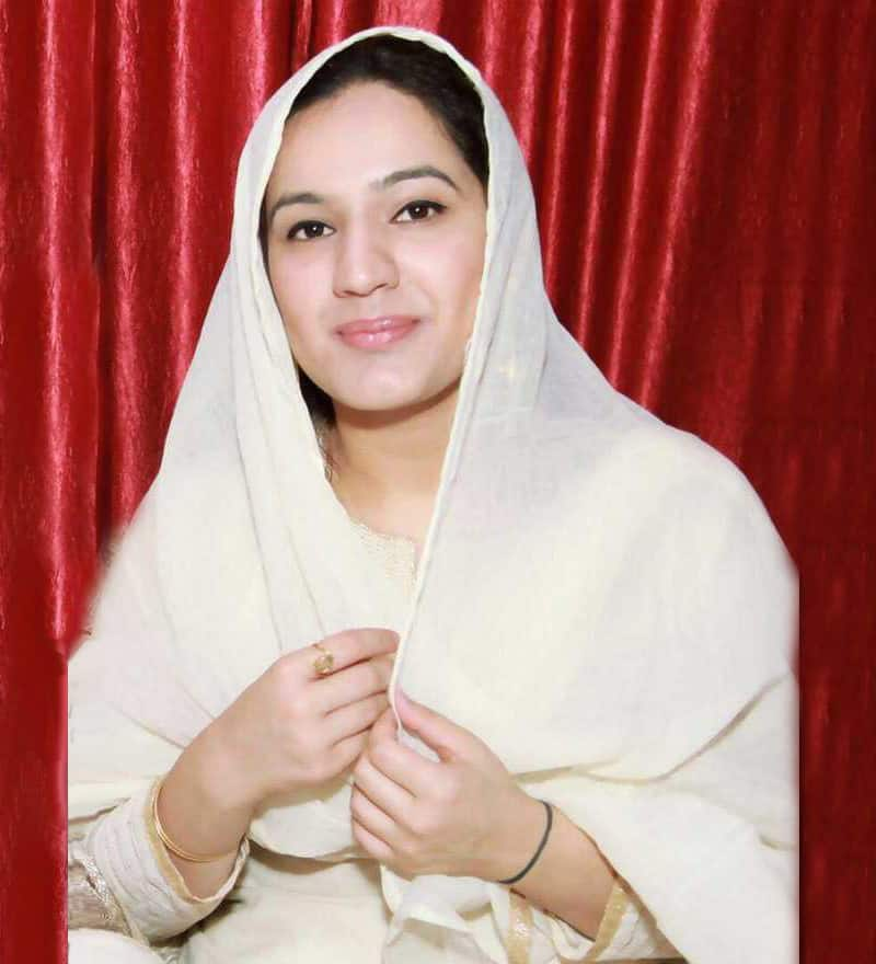 anshita bawa, journalist.