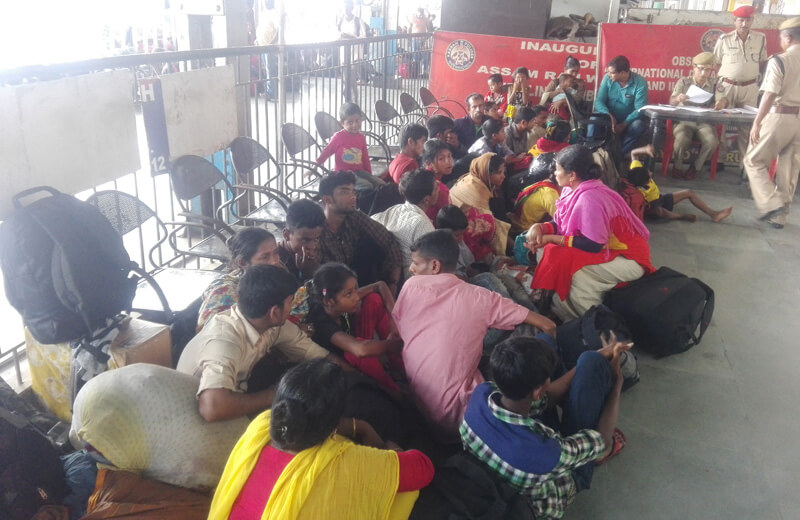 bangladeshis arrested guwahati railway station